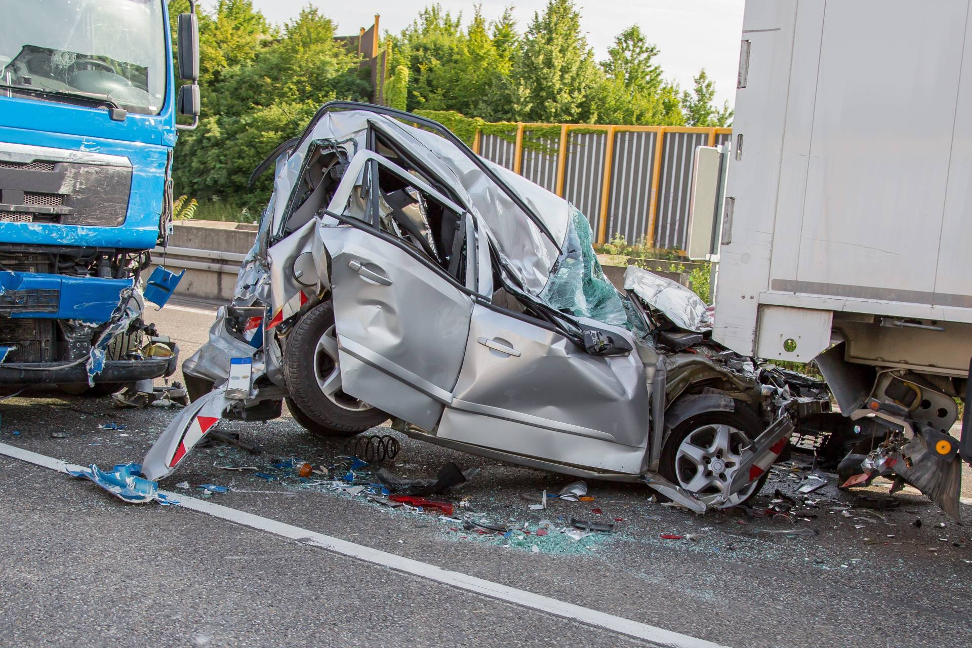 Injured in a truck accident caused by a negligent truck driver? Contact the Angell Law Firm today!